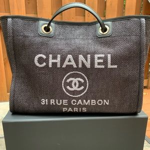CHANEL Large Shopping Bag 30cm